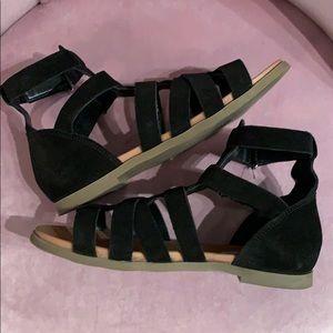 Black Steve Madden sandals